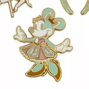 Minnie the main attraction July 1 pin NWOT